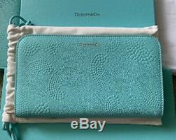 Limited Edition TIFFANY'S WAVE Pond Leather continental Wallet in Tiffany Blue