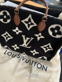 Louis Vuitton Monogram Giant On The GO Teddy Limited Edition Made in Italy