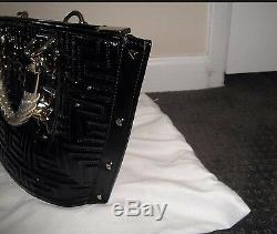 Auth Limited Edition Gianni Versace Couture 1800,00 $ Plus Taxes Marque Nouveau