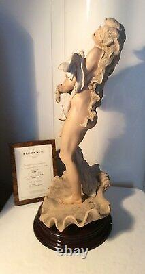 Giuseppe Armani Figurinepearl # 1019t Retraité. Édition Limitée