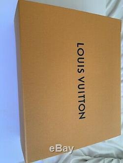 Louis Vuitton Monogram Géant Sur Le Go Made Limited Edition En Italie