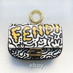 Nouveau! Edition Limitée Fendi Nano Graffiti Baguette Crossbody Chain Bag Charm