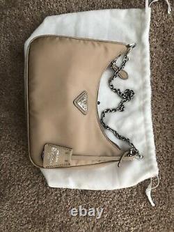 Prada Nylon Bag Crossbody Purse 2005 Re Edition 100% Nouveau 100% Authentique Cammeo