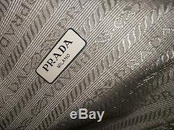 Prada Réédition 2000 Nylon Mini Sac Beige Avec Sac À Poussière + Receipt Magasin