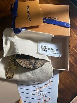 Sac Louis Vuitton Monogram Arrière Géant Charme Porte-clés Limited Edition